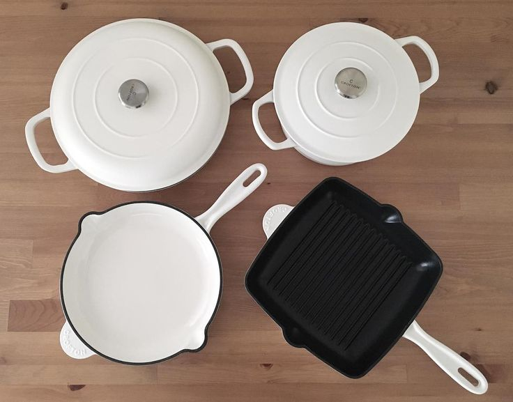 It took trips to four different Aldis but I have the set  #aldi #crofton #castiron #cookware
