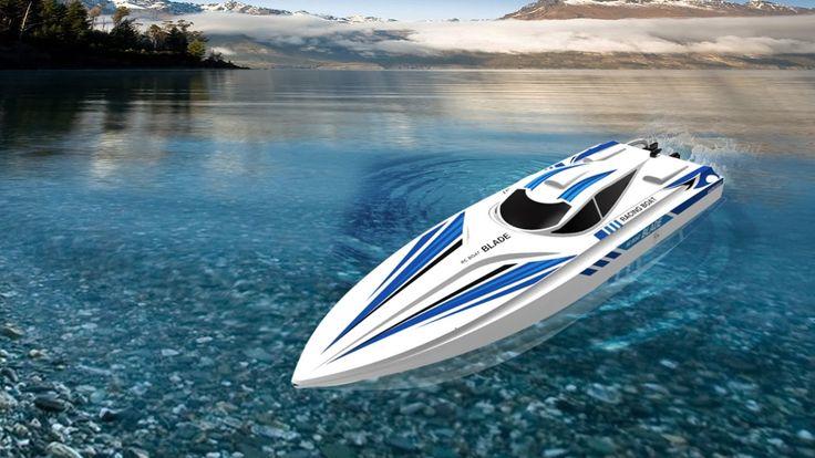 BLADE ist ein Rennboot der 60cm-Klasse. Der Name Blade bedeutet im englischen Klinge oder Sägeblatt. ✈ Modellsport Schweighofer GmbH ✈ Modellsportbedarf, RC, Flugmodelle, Drohnen, Multicopter, Automodelle, Jets, Schiffe, Fernsteuerungen, Emobility - alles was ...