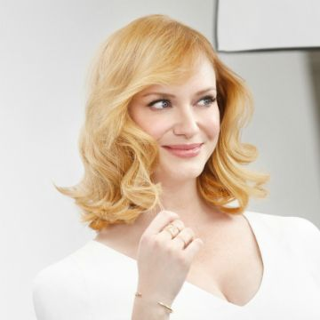 Christina Hendricks: Blonde, Beautiful, and Spilling All Her BeautySecrets | Daily Makeover