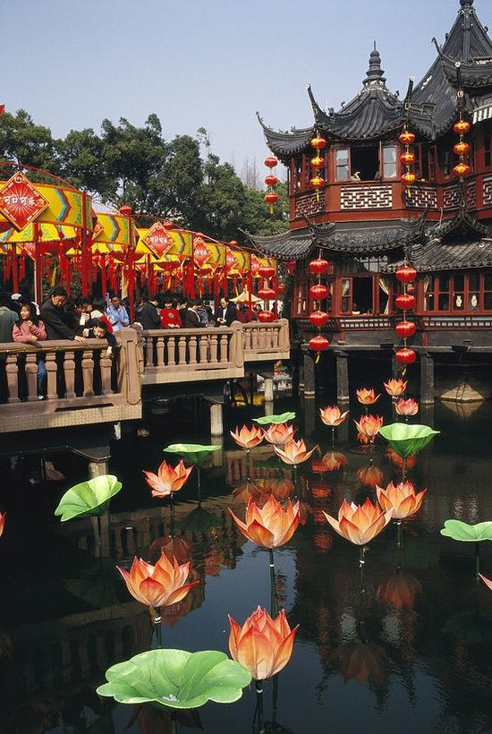 A tea house in Shanghai's Yuyuan garden during Chinese New Year.