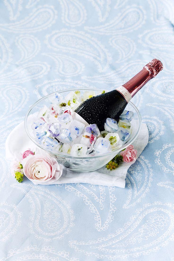 Syötävillä kukilla koristellut jääpalat | K-ruoka #koristelu #kesä #juhlat
