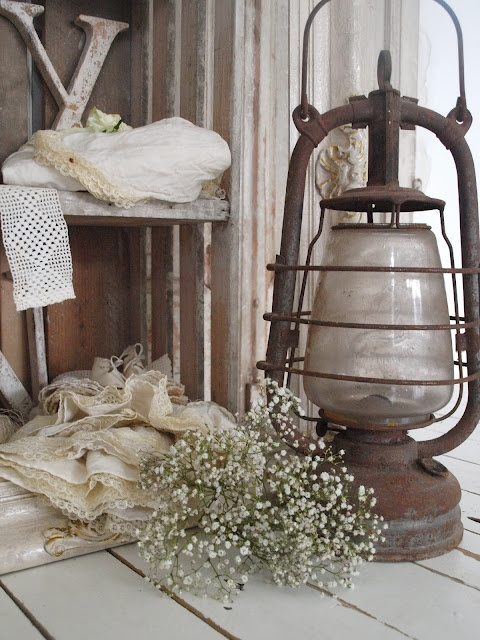 Rustic lamp as we also had in the house of my childhood