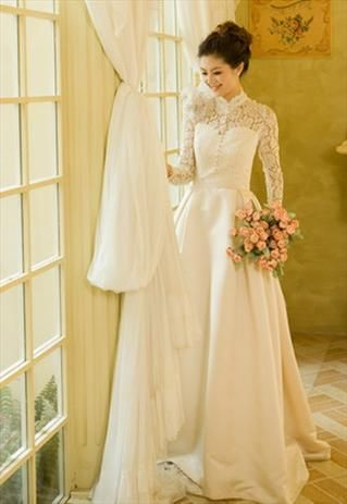 Lace Turtleneck Wedding Dress | Royal Lace Vintage Wedding Dress long Princess with turtleneck - £133 ...