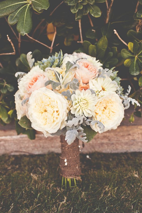 Beautiful rustic summer bridal bouquet (Photo by Lindsey Gomes Photography) Keywords: #weddings #jevelweddingplanning Follow Us: www.jevelweddingplanning.com  www.facebook.com/jevelweddingplanning/