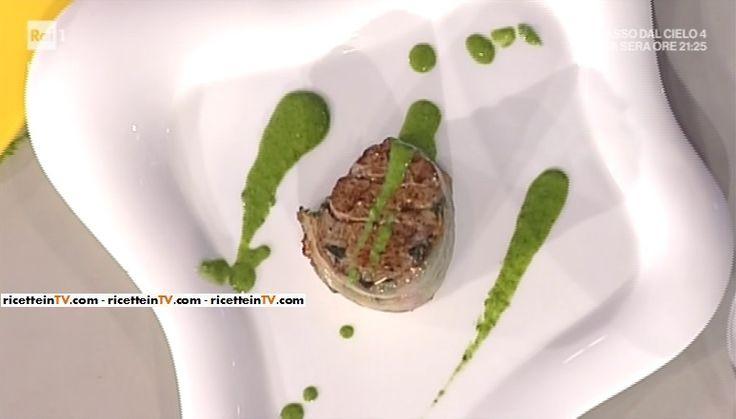 """La ricetta del lomo argentino in salsa verde di Natalio Simionato del 7 marzo 2017, a """"La prova del cuoco""""."""