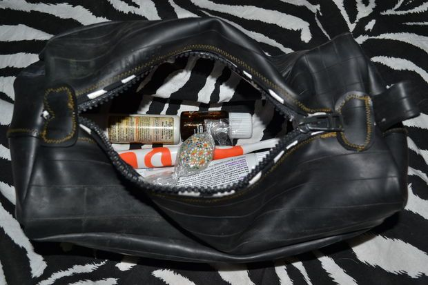 Picture of RECYCLED INNER TUBE BEAUTY CASE BAG