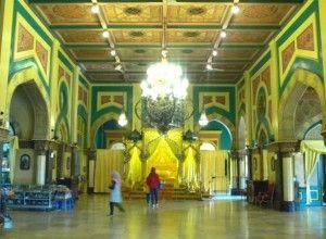 Surganya Warna Kuning Istana Maimun | Panduan Wisata Medan