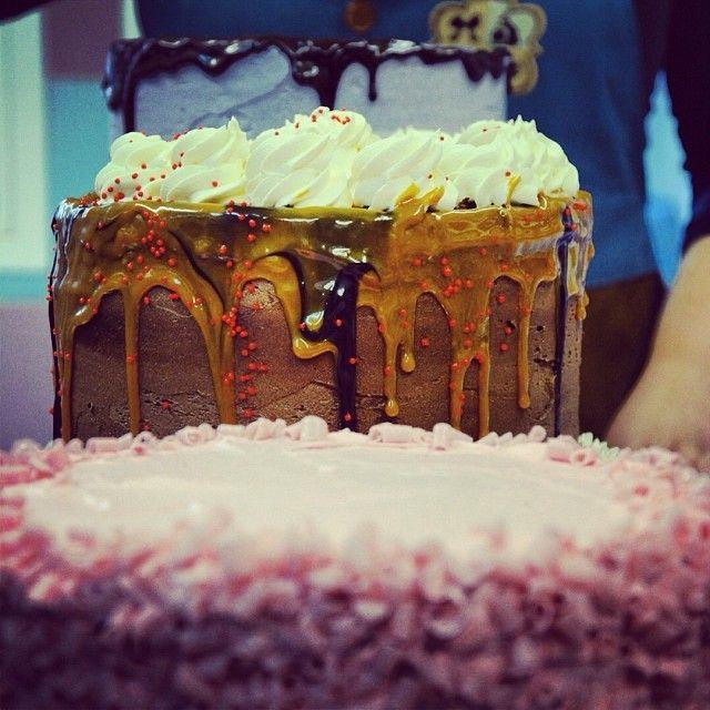 3 κακοί, 3 cakes. H Dolores Umbridge, o Captain Hook και ο Δικαστής Frollo παρελαύνουν στη βιτρίνα μας πιο γευστικοί από ποτέ!