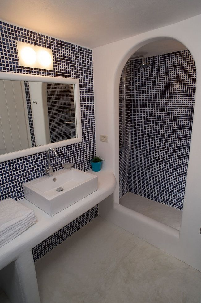 Skiron Villa Bathroom