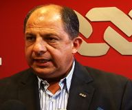 Luis Guillermo Solís garantiza a Cinde concesión de muelles pese a oposición de sindicatos limonenses