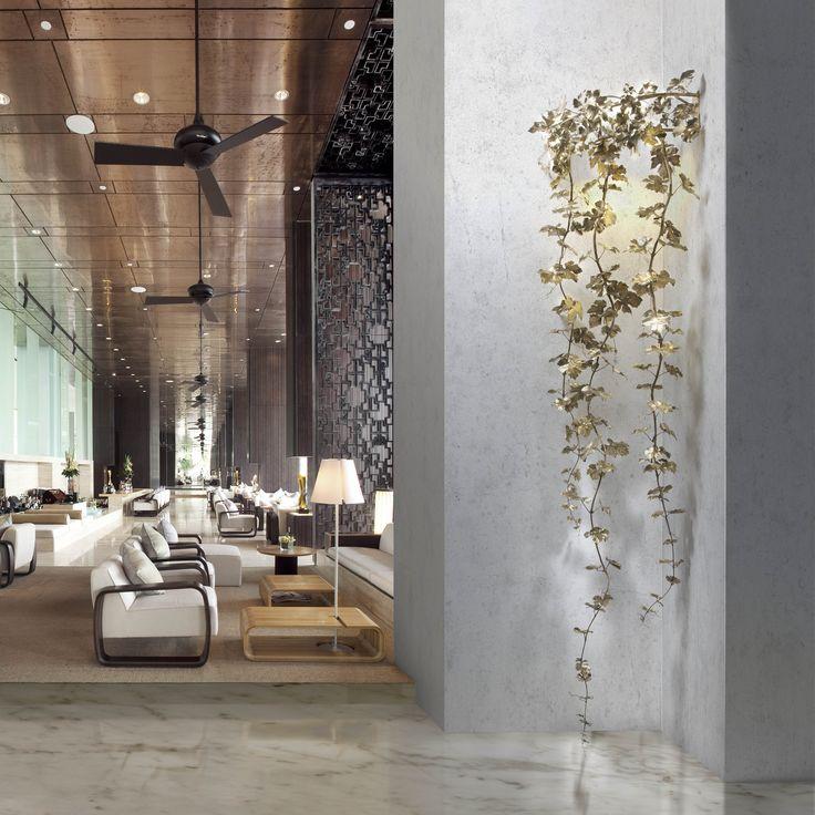 COLECCIÓN VIGNE  Aplique creado a partir de la reproducción de la materia orgánica, ramas y hojas de vid, fundidas a la cera perdida. Obras de arte exclusivas para iluminar cada espacio.