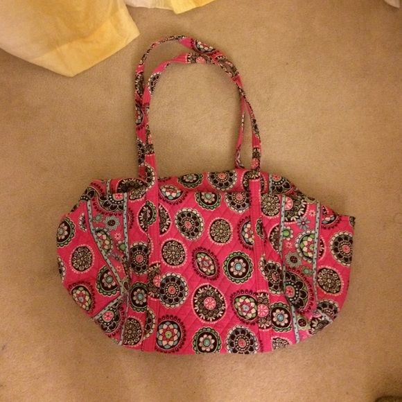 Vera Bradley large duffel bag In like new condition perfect for a long weekend getaway. Has one side pocket. Vera Bradley Bags Travel Bags