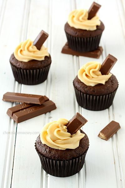 Kit Kat Cupcakes with Caramel Buttercream Frosting (Chocolate Moosey)