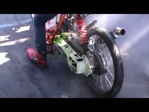 Juara Empat Mesin S1 ITN Drag Bike 2015 Kelas Matic 200cc – Adit Coco #42