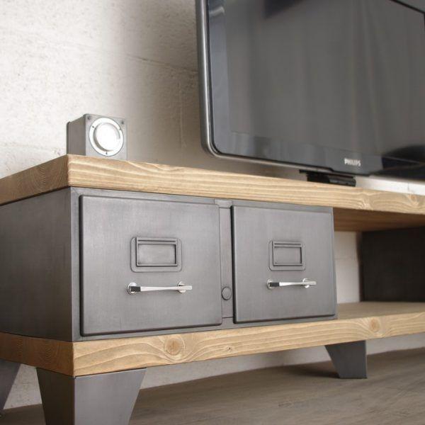 Meuble Tv Industriel Ancien Vestiaire Usine Decoration Industrielle En 2020 Meuble Tv Style Industriel Petit Meuble Tv Meuble Tv Industriel