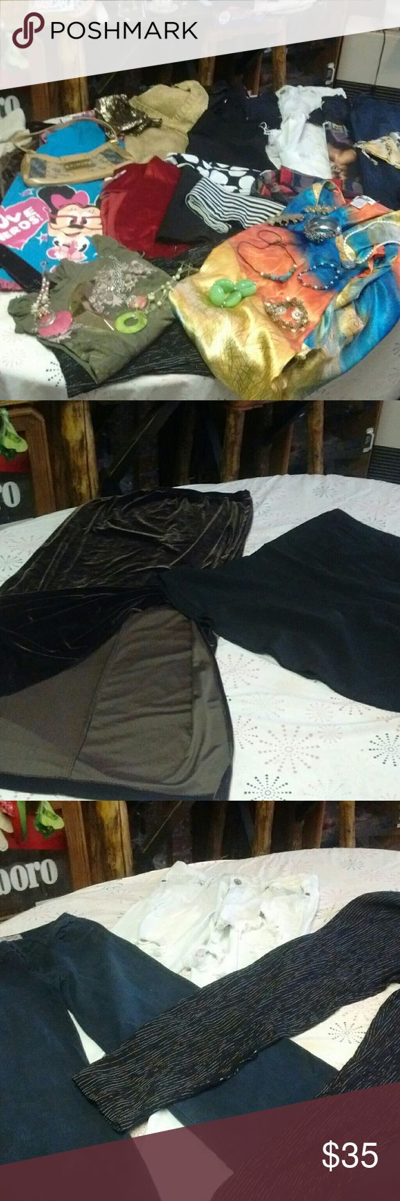 This is for my ladys Who think that I can't fit them with anything to wear we'll check this out I believe I pulled it together for you to look good no doubt....This consist of 2 skirts that r sized L ND 11,3 pants 11,L @13,2 sweaters,B L,4 tank top L,2 tee shirts L,1 Mickey night shirt L,1 dress shirt 26/28,4 scarfs,2belts,1 one size kimono,2 purses,ND 1 pair of 9 1/2 Willi Smith's pumps ND the jewelry that is post ND I may have forgotten one or two things ......But if u like wht u see you…