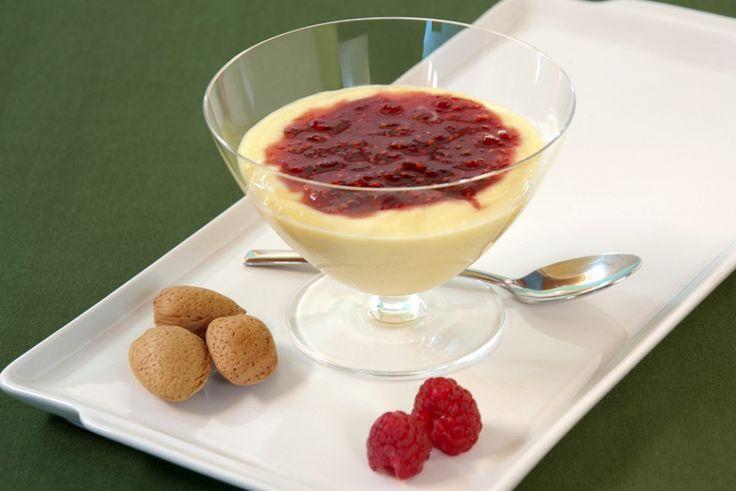 Crema alle mandorle con gelatina di lampone ricetta