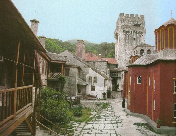 Το καθολικό, το κωδωνοστάσιο, ο πύργος και η νότια κόρδα της Μονής Καρακάλλου (Άγιο Όρος) - The katholikon, the bell-tower, the tower and the south range of Karakallou Monastery (Mount Athos)