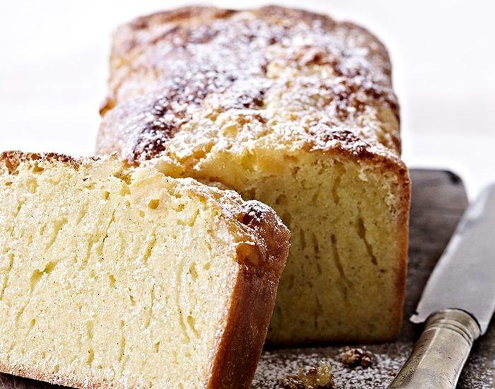 Fantastisk svampet citronkage, hvor kombinationen af det syrlige og det søde giver en dejlig smagsoplevelse! Perfekt kage til kaffebordet.