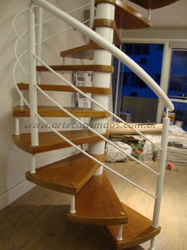 Escada Caracol em aço com pintura eletrostática