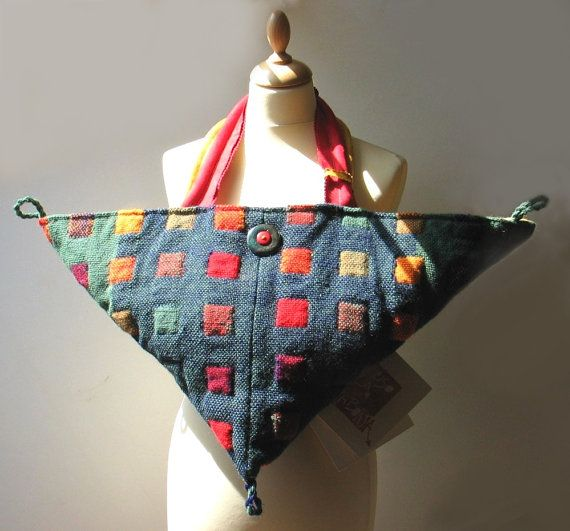Handwoven triangolare Fiber Art Bag multifunzioni di Mireloom, €257.00