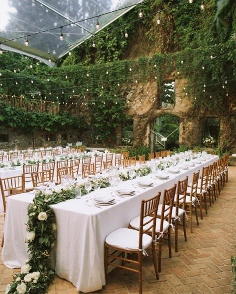 Aquela mesa de família maravilhosa que você respeita �� ��: Anna Kim Photography . . . . . . #bride2bride #casandocomamor #meucasamentolindo #meuconvitedecasamento #noivasde2015 #noivasjf #noivasrj #papelaria #quetalcasardedia #semprenoiva #vidadenoiva #weddingday #weddingdress #weddingfarm http://gelinshop.com/ipost/1523414582054425714/?code=BUkQX2xARRy
