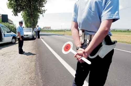 В Европе повышаются штрафы за нарушения ПДД - Италия и еще несколько стран Европейского Союза увеличили штрафы за нарушения правил дорожного движения. Так правительство Италии приняло новый закон о штрафах за превышение скорости более, чем на 50 км/ч. Теперь нача
