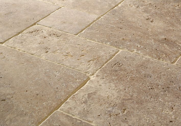 Travertin Beige Gloire Romaans Verband In Tuinhuis En