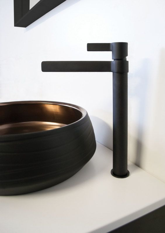 M A R T I N I Extended Basin Mixer in Full Matte Black