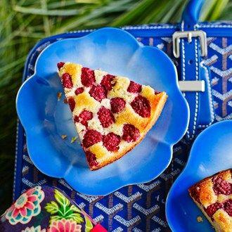Lemon almond pudding with raspberries - Cake & Dessert Recipes