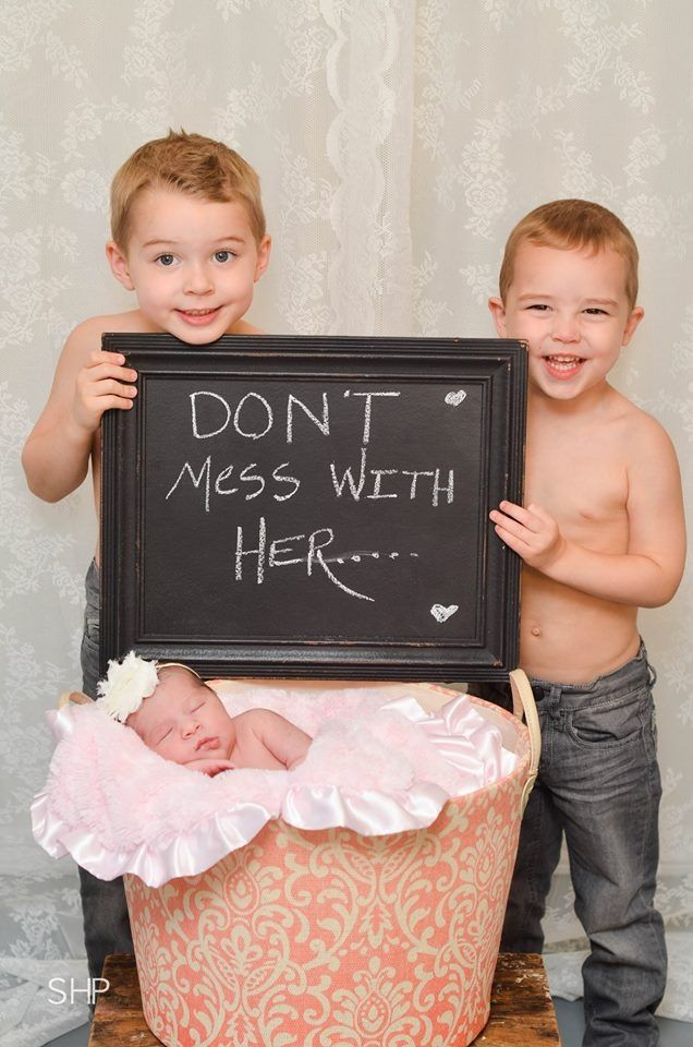 Ashlee was lucky enough to be the baby of the house and grow up with two big brothers. Blake and her brothers are good friends.