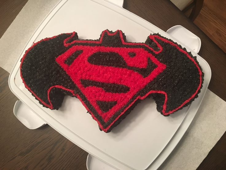 Best 25 Superman birthday cakes ideas on Pinterest Superman