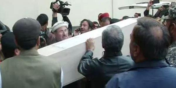 Bodies of Junaid Jamshed's wife, Captain Salah Janjua handed over to relatives