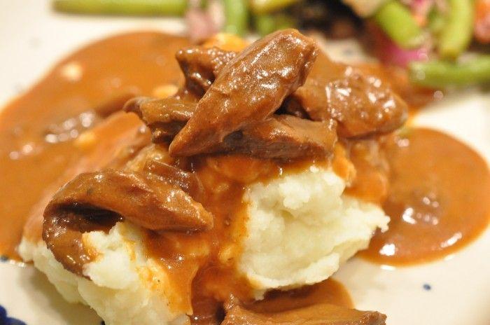 Bøf stroganoff i flødesauce