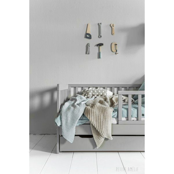 inspiration lit gar on enfant 2 ans avec ses doudous et. Black Bedroom Furniture Sets. Home Design Ideas