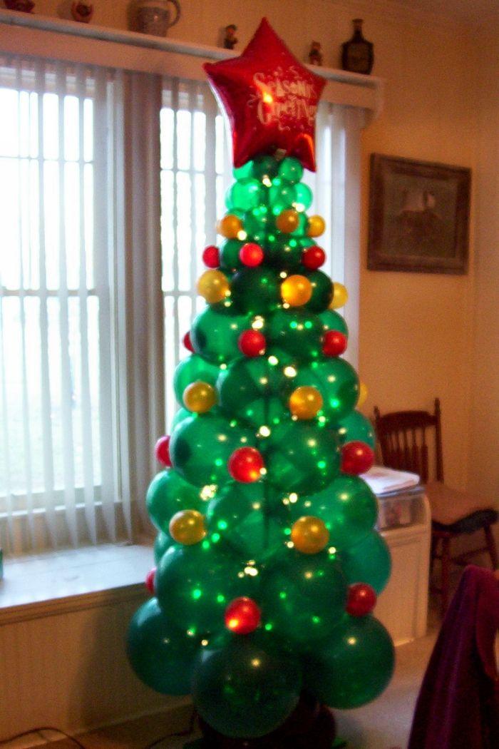 Christmas tree balloon sculpture party ideas balloons - Decoraciones de navidad ...