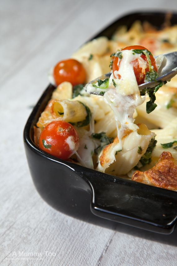 Cherry tomato, spinach and garlic mozzarella pasta bake (recipe)-- try with gf penne pasta from Costco