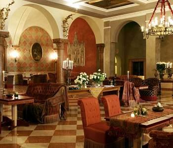 http://veronainhotel.it/hotel-5-stelle/due-torri-hotel