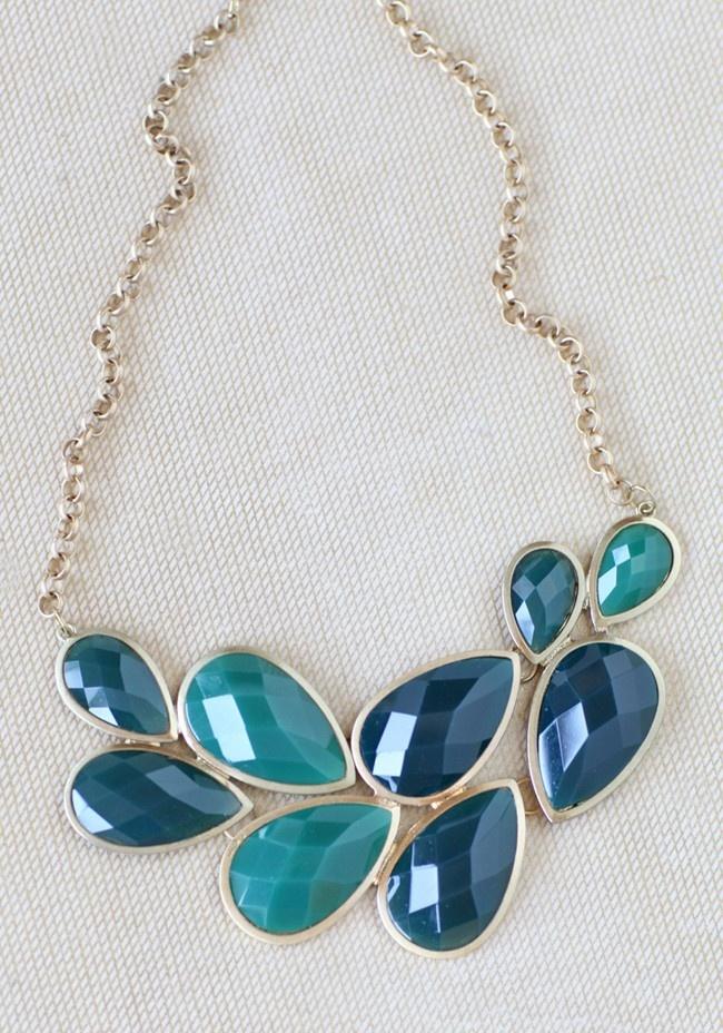 pretty ocean hues necklace #jcrew #bubblenecklace: Cheap Jewelry, Ocean Hue, Statement Necklaces, Color, Necklaces 22 99, Beautiful, Modern Vintage, Vintage Inspiration, Hue Necklaces