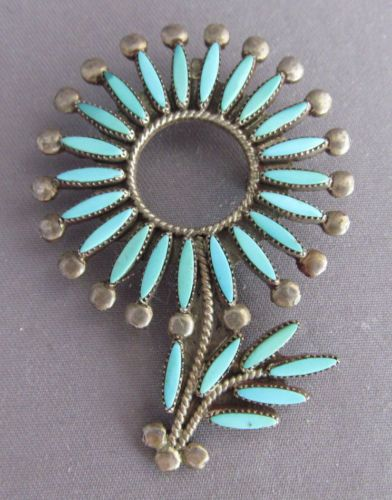 VINTAGE-ZUNI-STERLING-V-AWELAGTE-FLOWER-NEEDLE-POINT-TURQUOISE-PENDANT-BROOCH