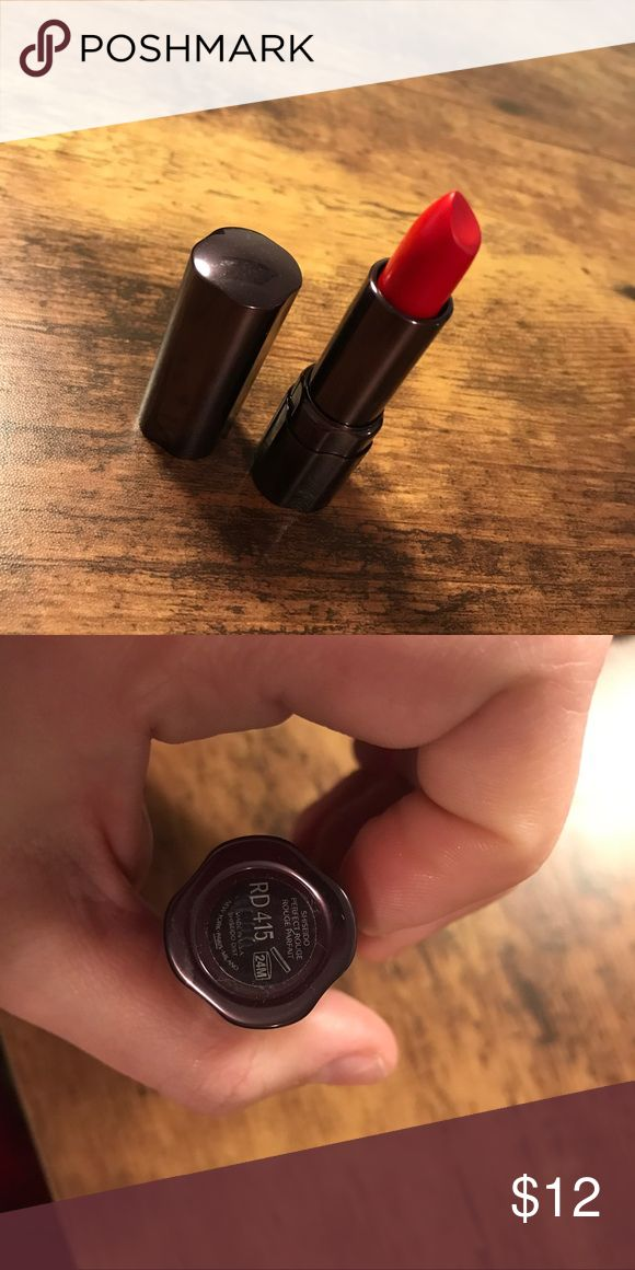 Shiseido lipstick Brand new never used does not include box color is RD415 Sephora Makeup Lipstick