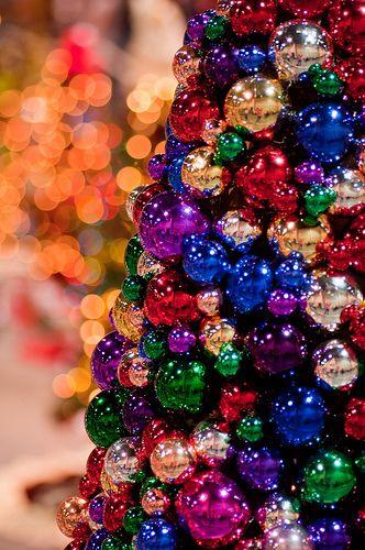 the glowChristmas Time, Christmas Crafts, Christmas Colors, Ornaments Trees, Christmas Decor, Christmas Ornaments, Bulbs Trees, Christmas Ideas, Christmas Trees