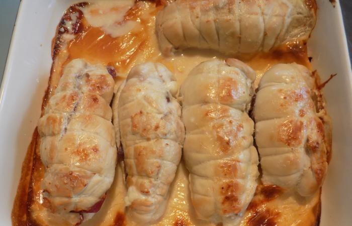 Régime Dukan (recette minceur) : Blanc de poulet farci sauce cancoillote #dukan http://www.dukanaute.com/recette-blanc-de-poulet-farci-sauce-cancoillote-12067.html