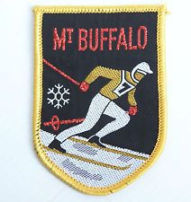 VINTAGE MT BUFFALO EMBROIDERED SOUVENIR PATCH WOVEN CLOTH SEW-ON BADGE