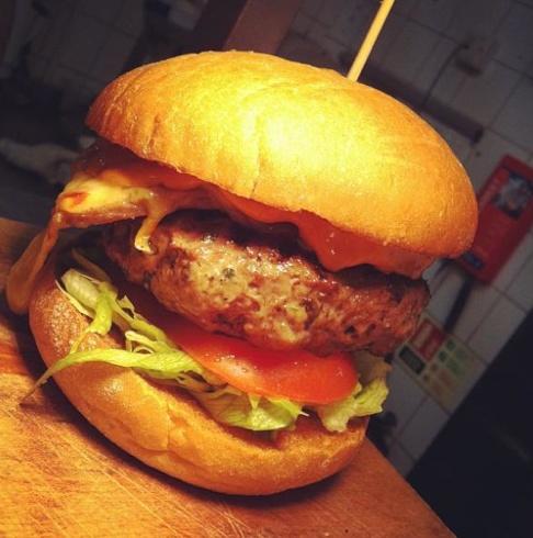 Ben's Canteen Burger