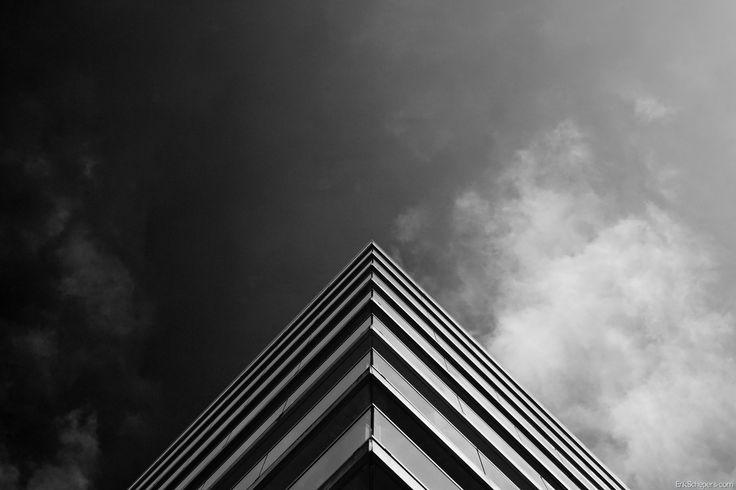Triangle www.erikschepers.com Symmetrical stuff  #Symmetrical #building #architecture #sky #netherlands #holland #nederland #limburg #weert #sky #lucht #triangle #driehoek #3 #piramide #piramid