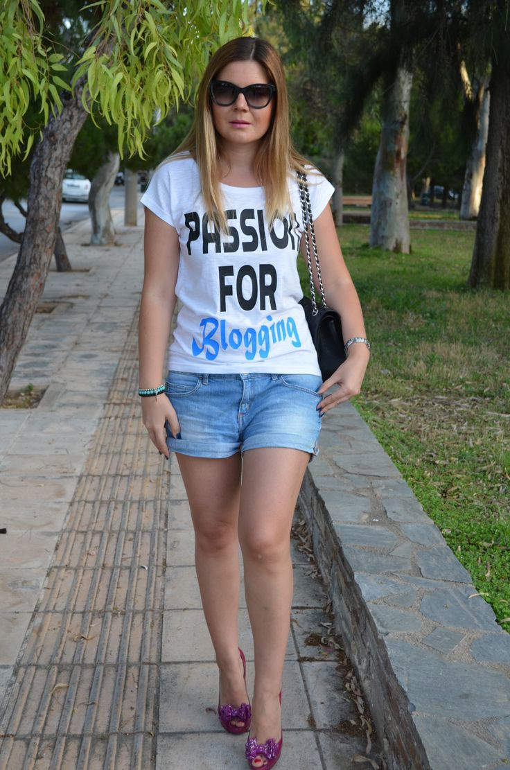 Passion for Blogging t-shirts worn with jean shorts and Casadei heels
