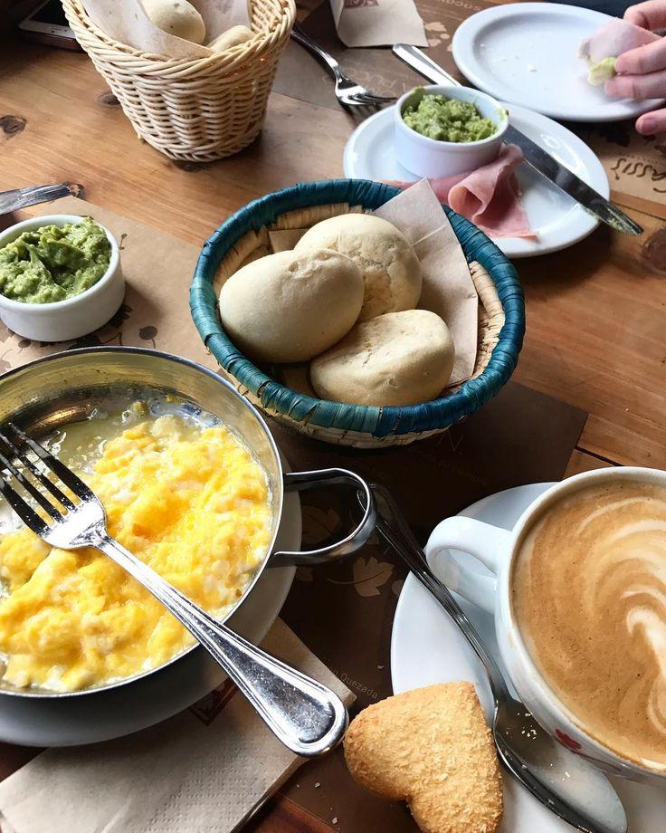Terminando el finde con #desayuno en el @cassiscafe