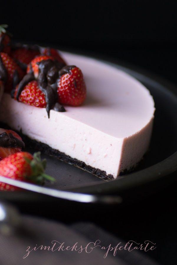 No-bake Strawberry-Cheesecake mit OREO-Boden