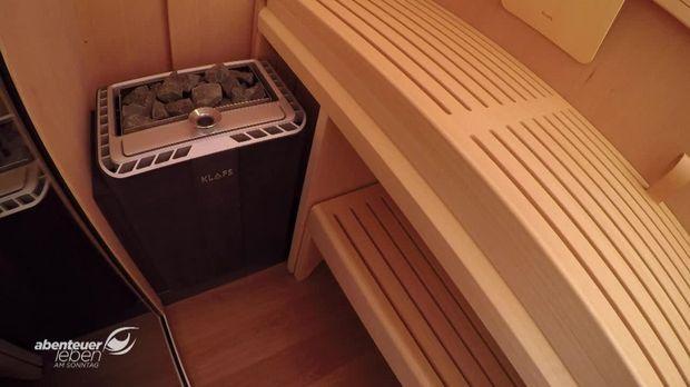"""Sie wollen genau wissen, wie die #SaunaS1 aufgebaut wird und wie die #SaunaderZukunft von #KLAFS in der Praxis funktioniert? Dann sollten Sie sich dieses #Video des Fernsehmagazins """"Abenteuer Leben"""" (Kabel Eins) ansehen."""